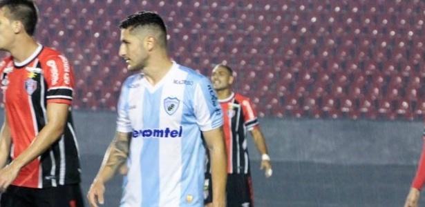 Zé Rafael jogou pelo Londrina em 2016 e se destacou