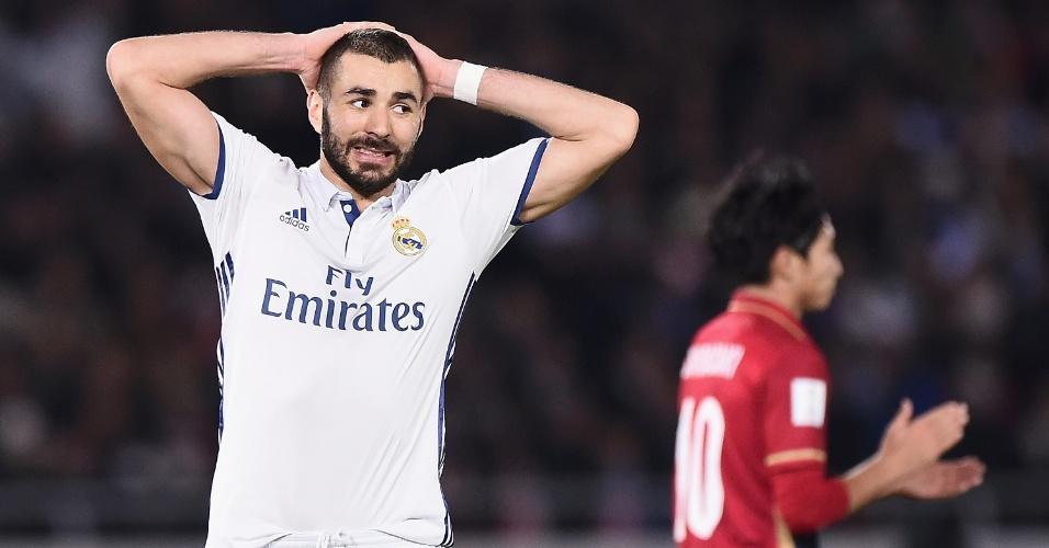 Karim Benzema lamenta chance perdida no segundo tempo da final do Mundial