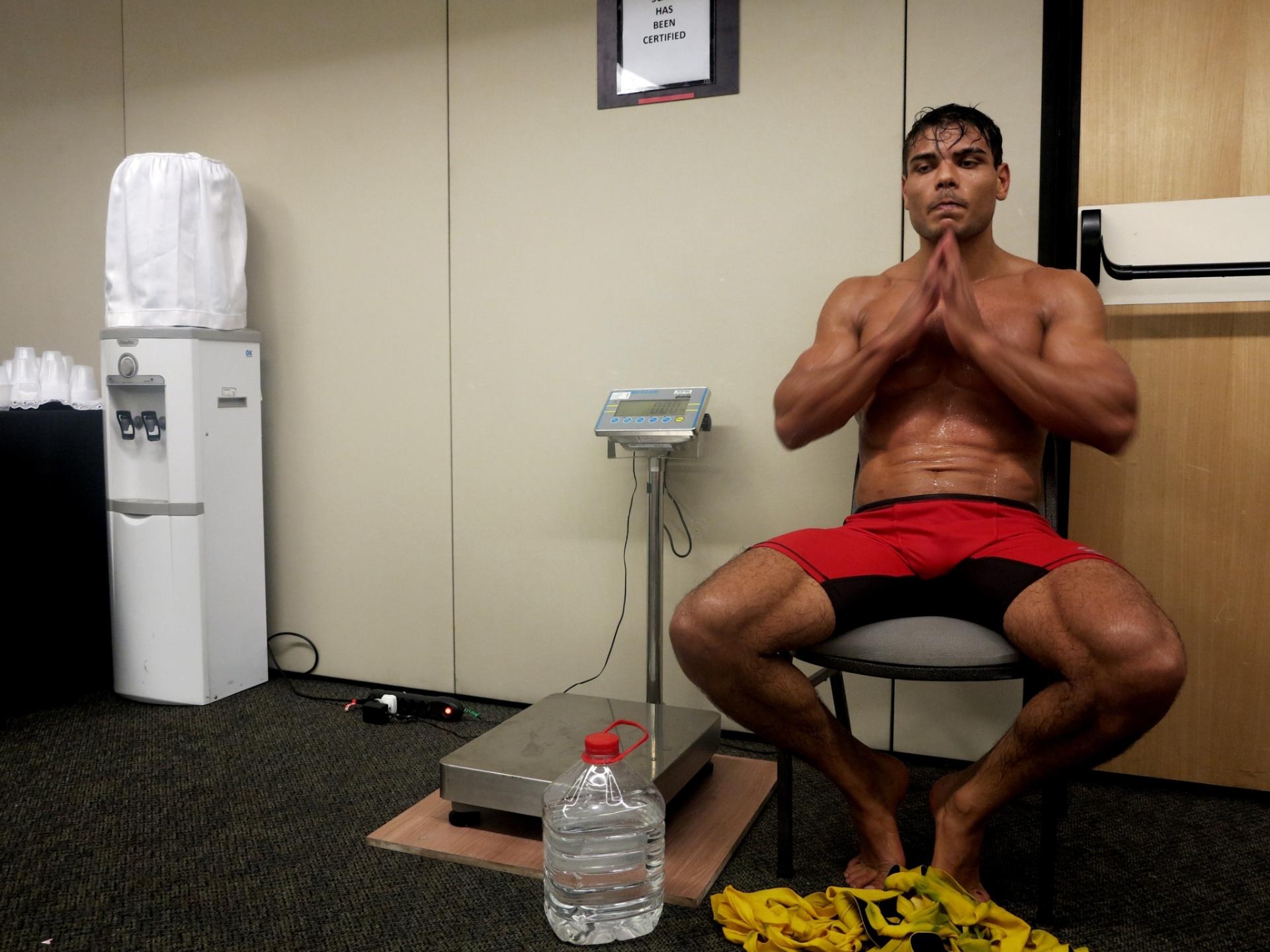 Paulo Borrachinha estreia no UFC com vitória por nocaute no primeiro round contra Garreth McLellan