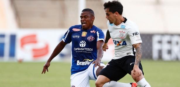 Fagner foi ausência do Corinthians contra o São Paulo