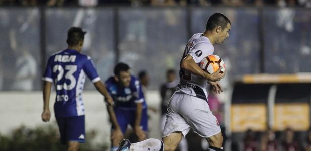 Wagner festeja seu gol - Luciano Belford/AGIF