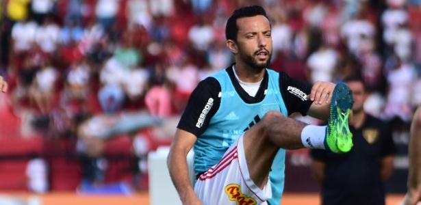 Nenê é um dos titulares que começará no banco de reservas na noite deste domingo - Paulo Paiva/AGIF