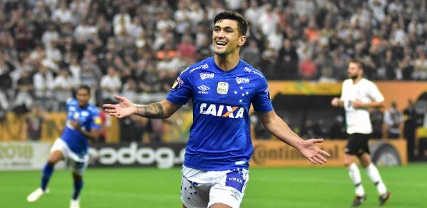 Arrascaeta fica perto de acordo com o Flamengo. Jogador pediu para deixar o Cruzeiro