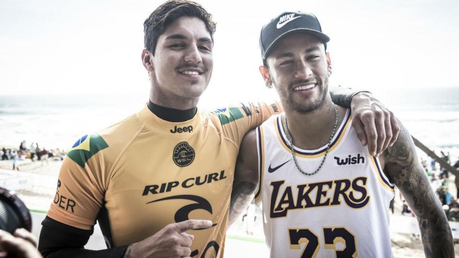 Neymar e Medina, durante etapa do Circuito Mundial de Surfe (WCT) - WSL / DAMIEN POULLENOT
