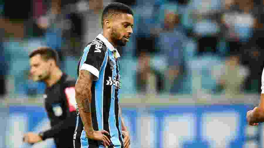 André ouviu vaias ao ser substituído contra o Libertad, do Paraguai, pela Libertadores - Pedro H. Tesch/AGIF