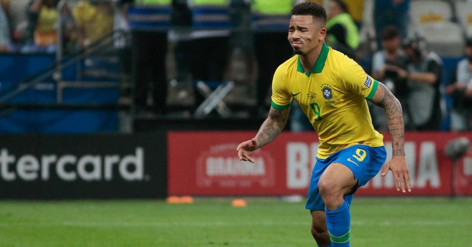Gabriel Jesus lamenta pênalti perdido contra o Peru
