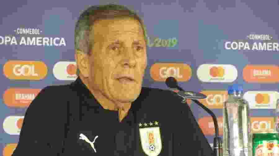 Óscar Tabárez, técnico da seleção do Uruguai, na sala de imprensa da Arena Fonte Nova - Gabriel Carneiro/UOL
