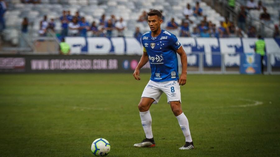 Henrique, do Cruzeiro, está na mira do Fluminense no mercado da bola - Vinnicius Silva/Cruzeiro