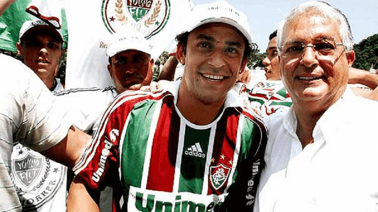 Fred e Celso Barros em sua apresentação no Fluminense, no gramado das Laranjeiras, em 2009 - Reprodução/Twitter - Reprodução/Twitter