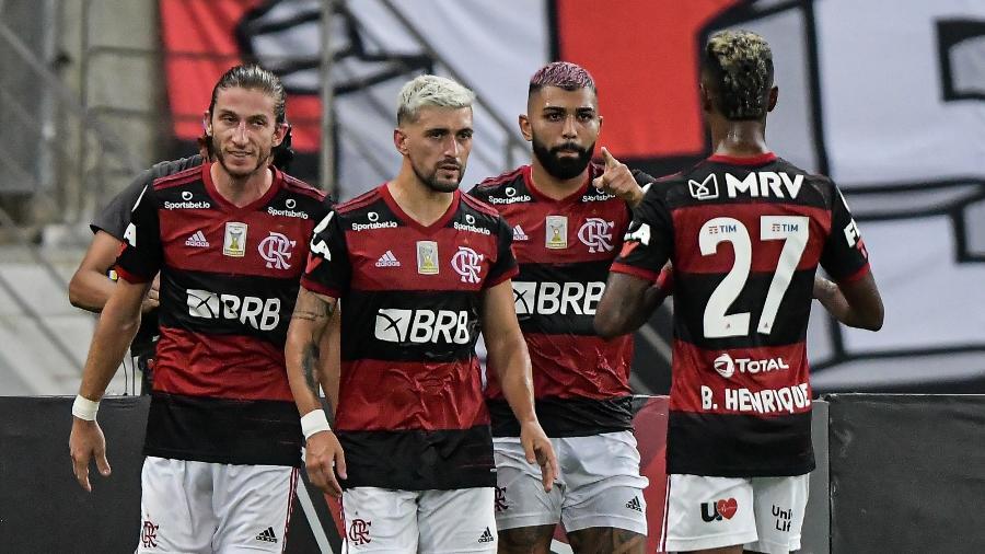 Jogadores do Flamengo comemoram gol de Gabigol sobre o Vasco da Gama - Thiago Ribeiro/AGIF