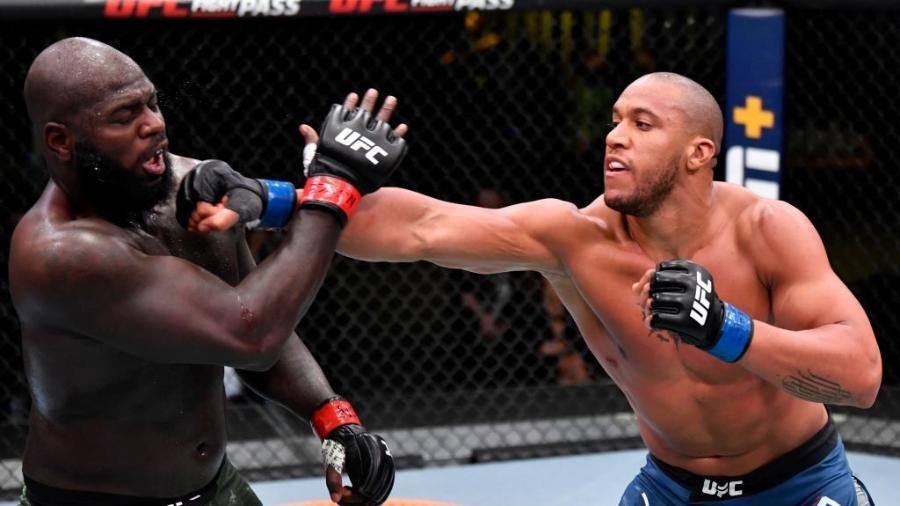 Francês administrou a luta e venceu por decisão unânime da arbitragem - Jeff Bottari/Zuffa LLC via Getty Images