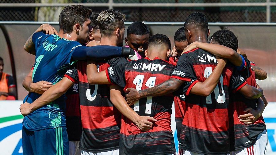 Flamengo inicia Carioca com jovens em vitrine para Ceni