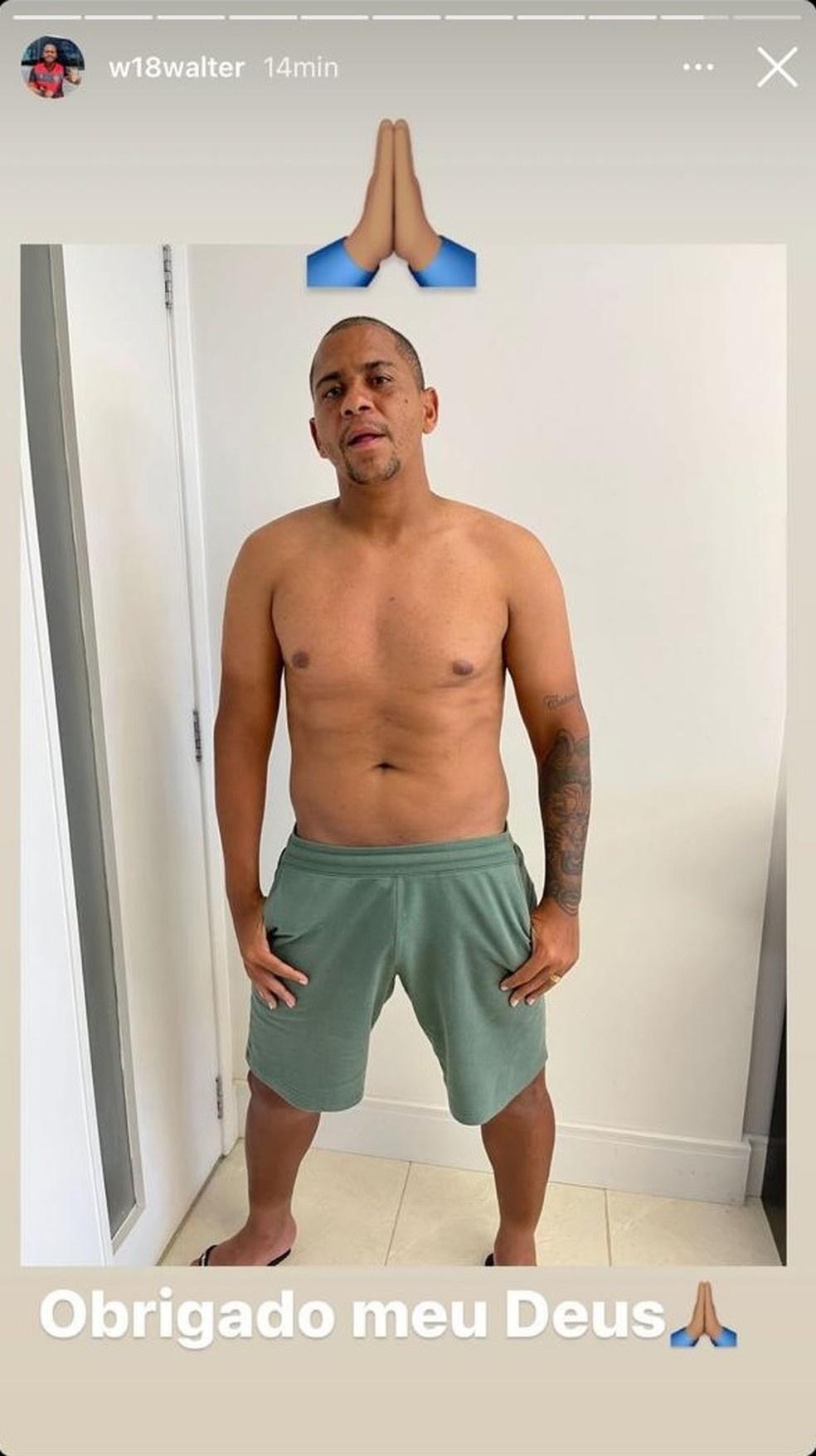 Walter publicou foto sem camisa no Instagram