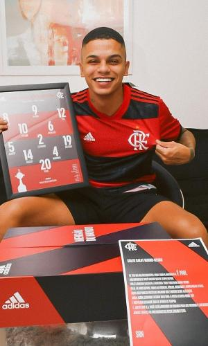 MC Maneirinho é flamenguista fanático e esteve na final da Copa Libertadores de 2019, contra o River Plate, em Lima