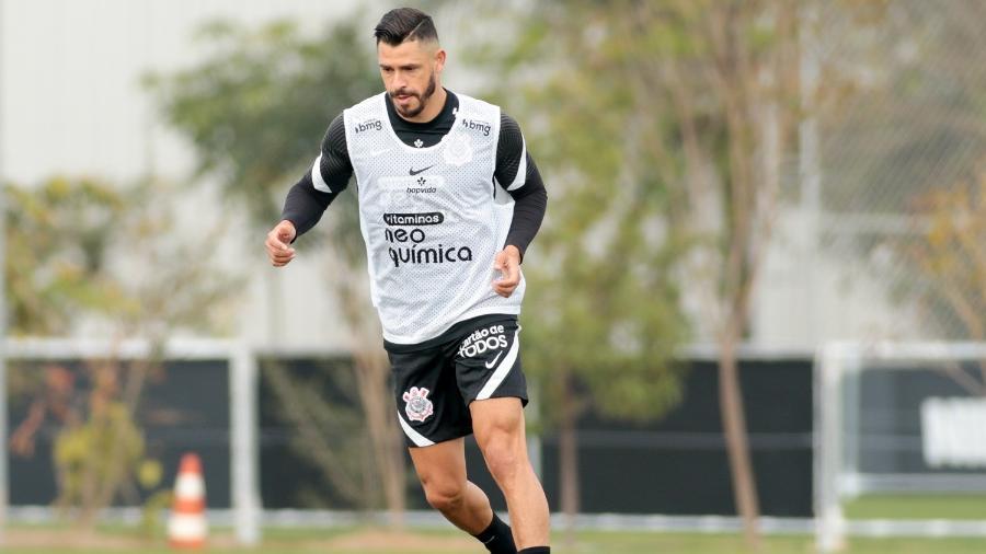 Giuliano em treino do Corinthians no CT Dr. Joaquim Grava - Rodrigo Coca/Agência Corinthians