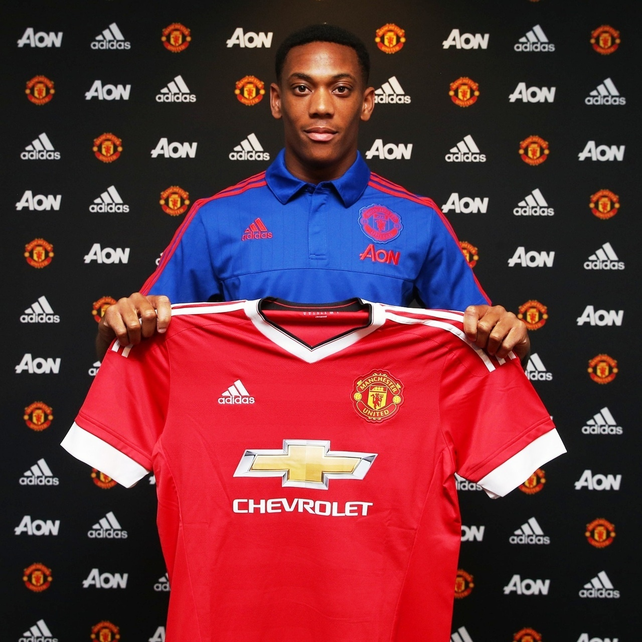 Anthony Martial é apresentado no Manchester United
