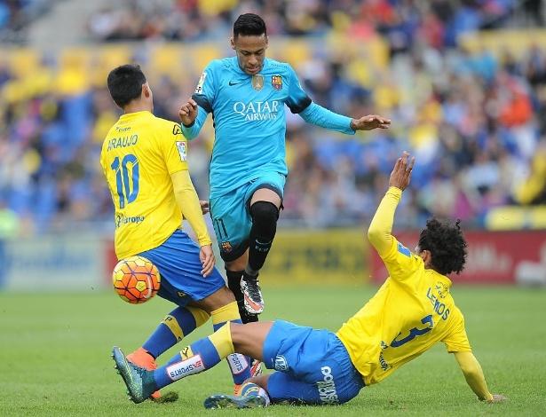 Maurício Lemos (3) enfrentou o Barcelona pelo Las Palmas