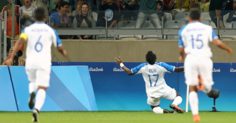 Alberth Elis, de Honduras, comemora o gol contra a equipe da Coreia do Sul