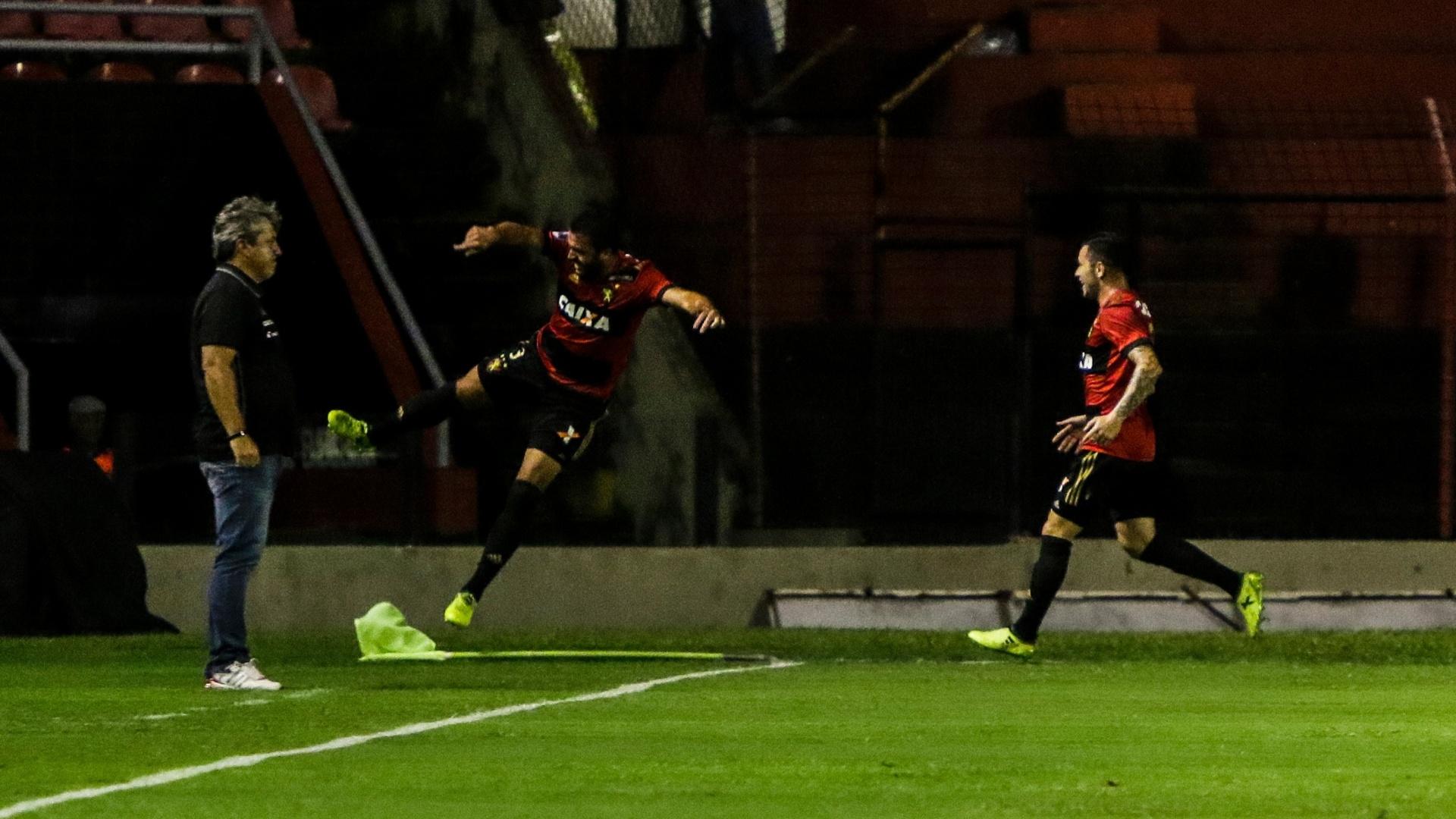 Ronaldo Alves comemora gol do Sport contra a Ponte Preta pela Copa Sul-Americana