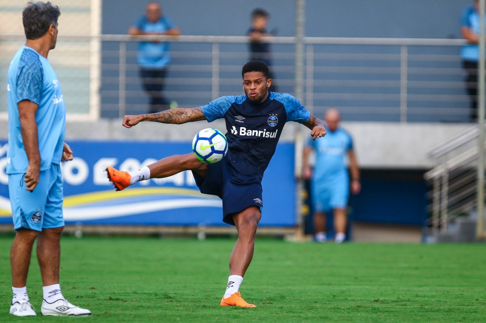 André vive seca de gols e ganha atenção especial no Grêmio - 05 06 2018 - UOL  Esporte 25c5c56cc86f6