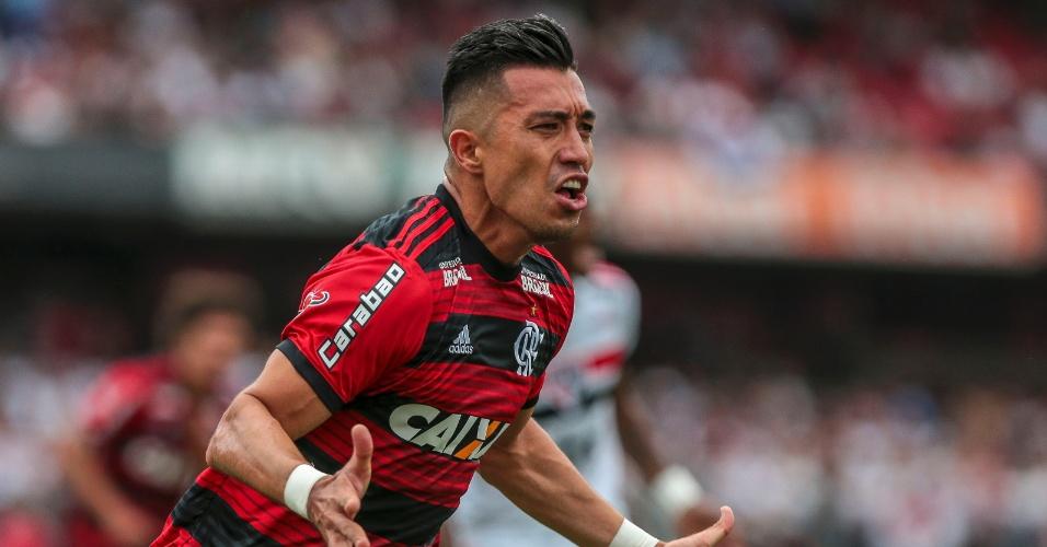 Uribe comemora gol do Flamengo contra o São Paulo
