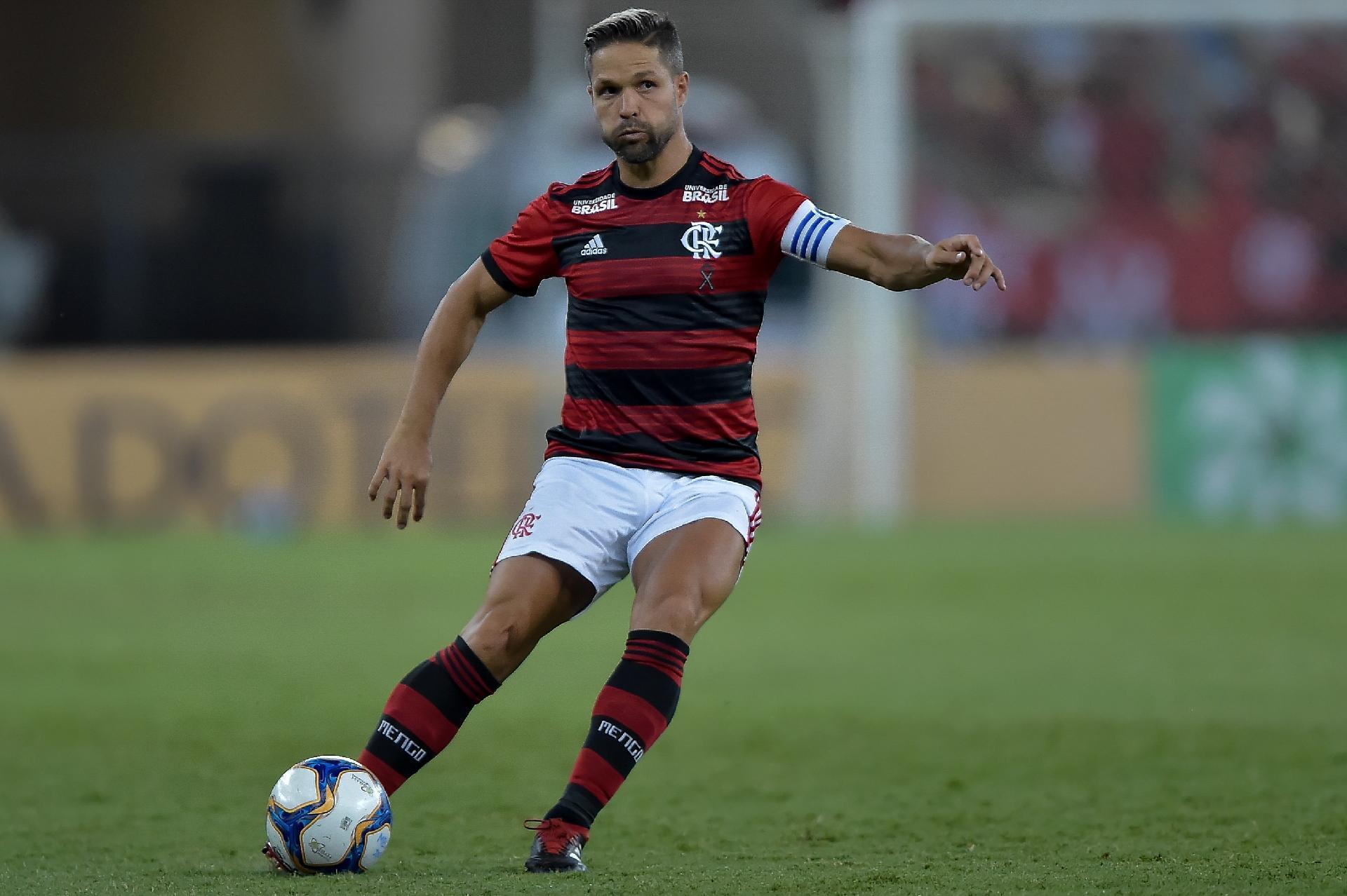 1bc29b3ee80 Flamengo discute tempo de contrato para anunciar patrocínio de banco digital