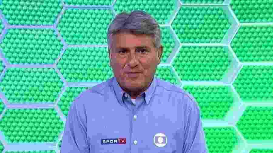 Cléber Machado, narrador da TV Globo, criticou o uso do VAR em jogo Palmeiras x Bahia pelo Campeonato Brasileiro - Reprodução