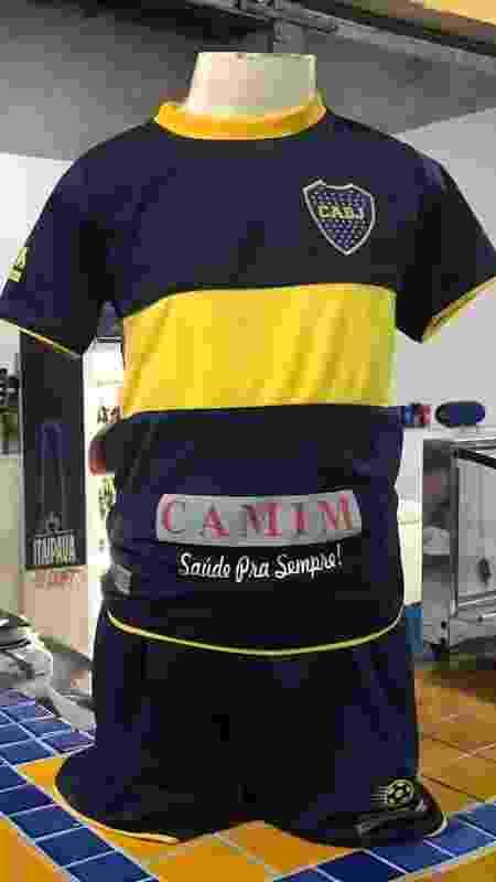 Uniforme da escolinha do Boca Juniors no Rio de Janeiro - Bruno Braz / UOL Esporte
