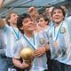 Maradona com a Copa em 1986 - Reprodução/Arquivo AFA