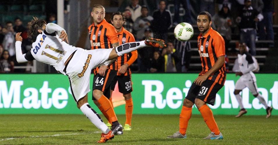 Romero chuta e marca para o Corinthians contra o Shakhtar, na Florida Cup