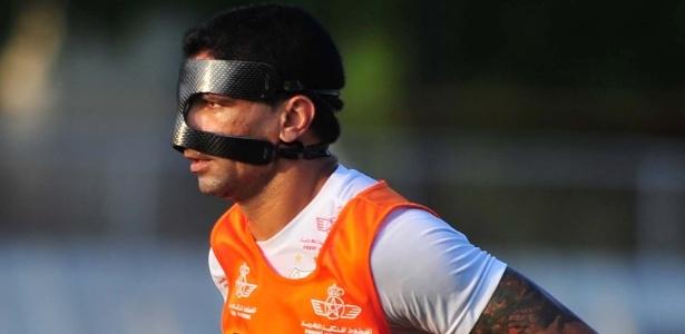 Renato jogará com máscara de proteção por causa de uma cirurgia no nariz