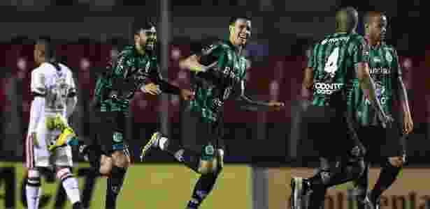 Roberson marca e festeja gol do Juventude contra o São Paulo - Marcello Zambrana/AGIF - Marcello Zambrana/AGIF
