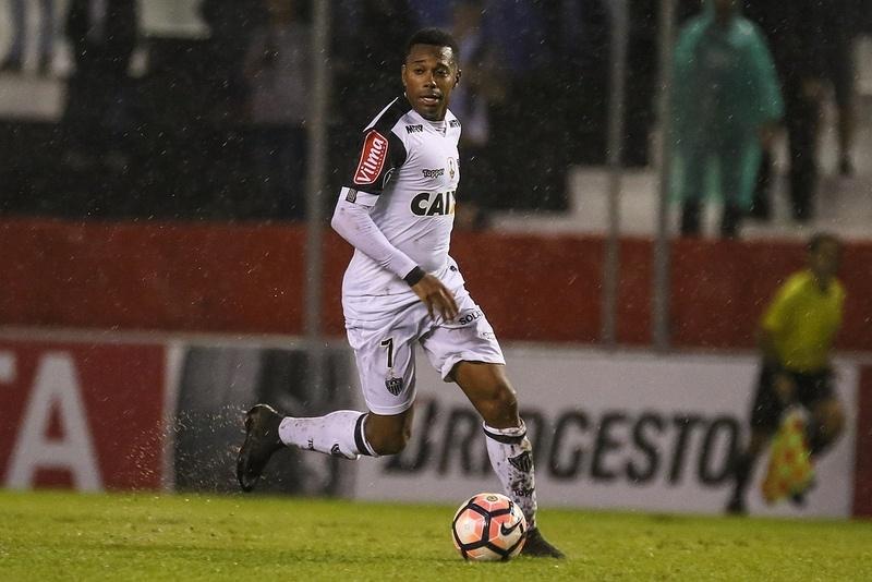 Robinho não consegue repetir em 2017 o bom desempenho de 2016