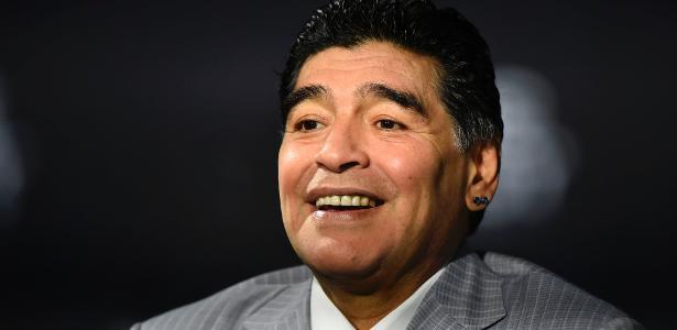 Diego Maradona respondeu às críticas de Daniel Alves