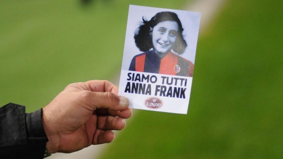 """""""Somos todos Anne Frank"""": folhetos são distribuídos em jogo entre Bologna e Lazio - Gianni Schicchi/AFP"""