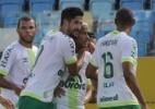 Atlético-GO só empata com a Chape e é o primeiro rebaixado para a Série B (Foto: CARLOS COSTA/FUTURA PRESS/ESTADÃO CONTEÚDO)
