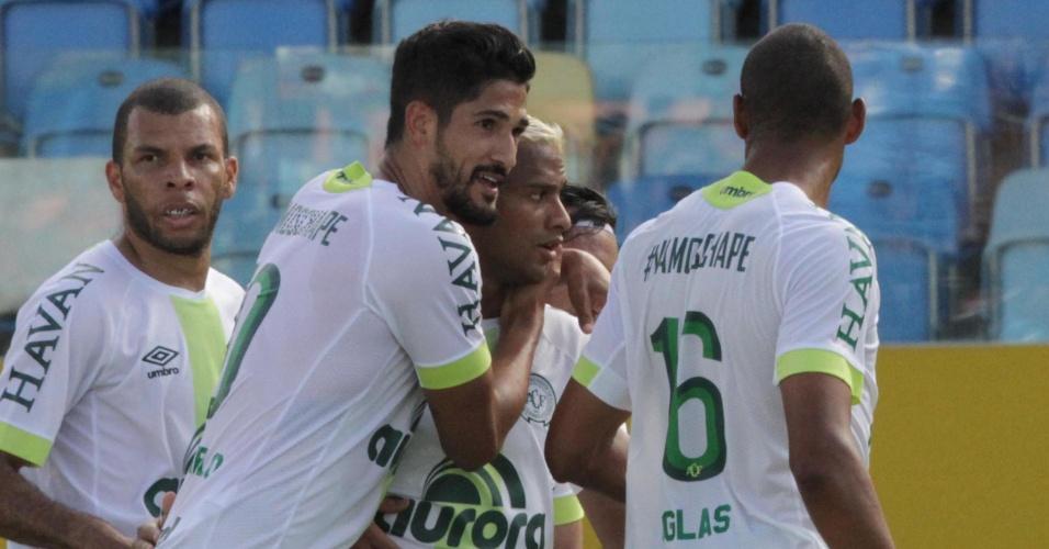 Nem gol no último minuto salvou | Atlético-GO fica no 1 a 1 com Chape e é 1ª time a ser rebaixado para Série B