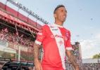 Lucas Barrios exerce cláusula de rescisão e deixa clube argentino - Divulgação