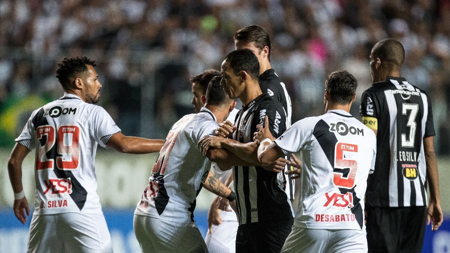 d751131aa Vasco relaciona Valdívia e Atlético-MG tem volta de Réver  veja as ...