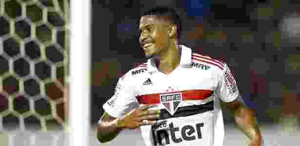 Gabriel Novaes marcou os dois primeiros do São Paulo sobre o Serra-ES na Copinha - Thiago Calil/AGIF