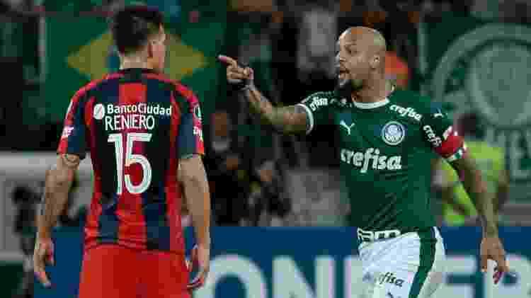 Felipe Melo discute com Reniero durante a partida entre Palmeiras e San Lorenzo pela Libertadores - Marcello Zambrana/AGIF - Marcello Zambrana/AGIF