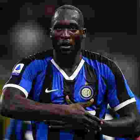 Romelu Lukaku chegou à Itália há pouco mais de um mês e sofre com atos racistas de torcedores - Miguel Medina/AFP