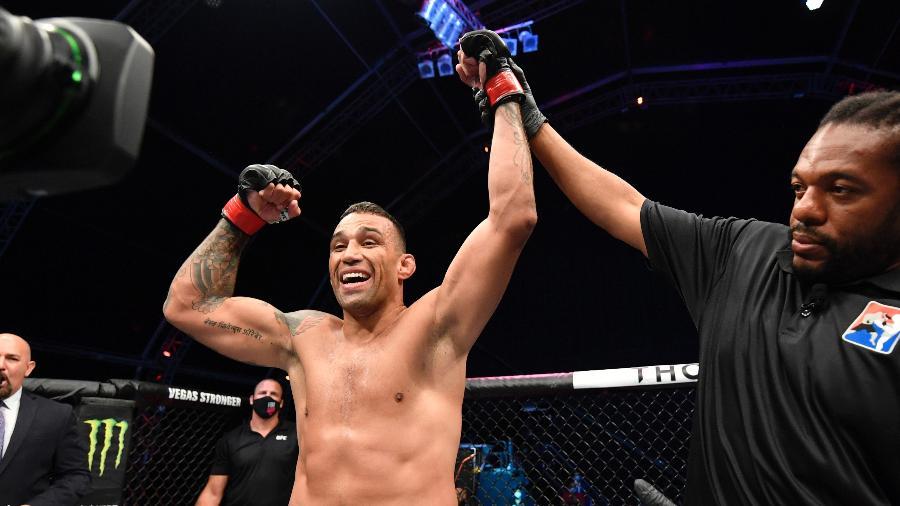 26.jul.2020 - Fabrício Werdum comemora vitória no UFC - Getty Images