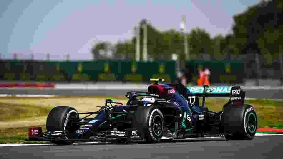 Valtteri Bottas com a Mercedes em Silverstone - LAT Images/Mercedes