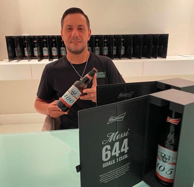 Diego Alves comenta garrafas que recebeu de Messi