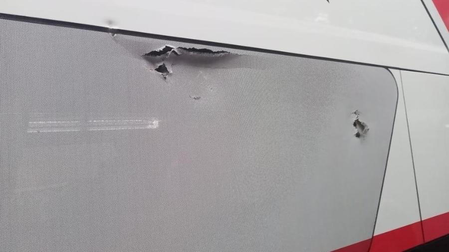 Ônibus do São Paulo teve lataria perfurada em emboscada  - Divulgação