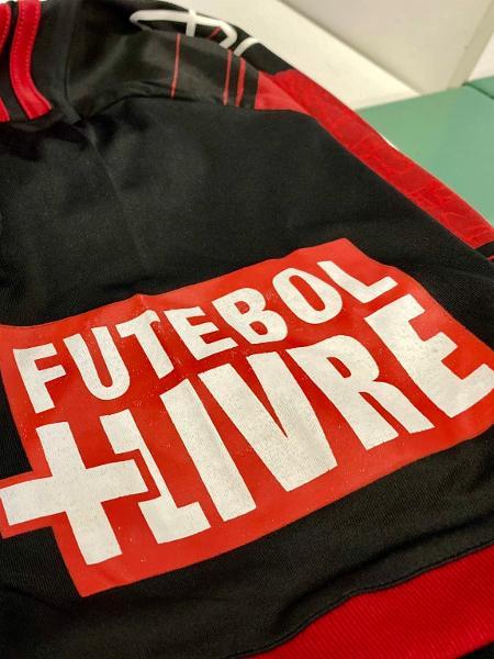 Camisa do Flamengo com a logo do Futebol + Livre - Reprodução