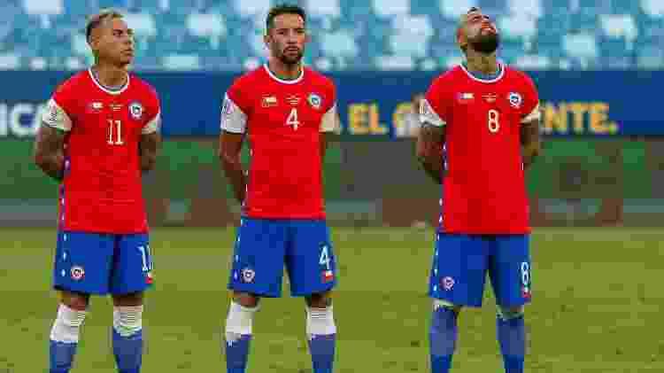 Em litígio com a Nike, Chile vai a campo contra Bolívia com uniforme alternativo em partida pela Copa América - Gil Gomes/AGIF - Gil Gomes/AGIF