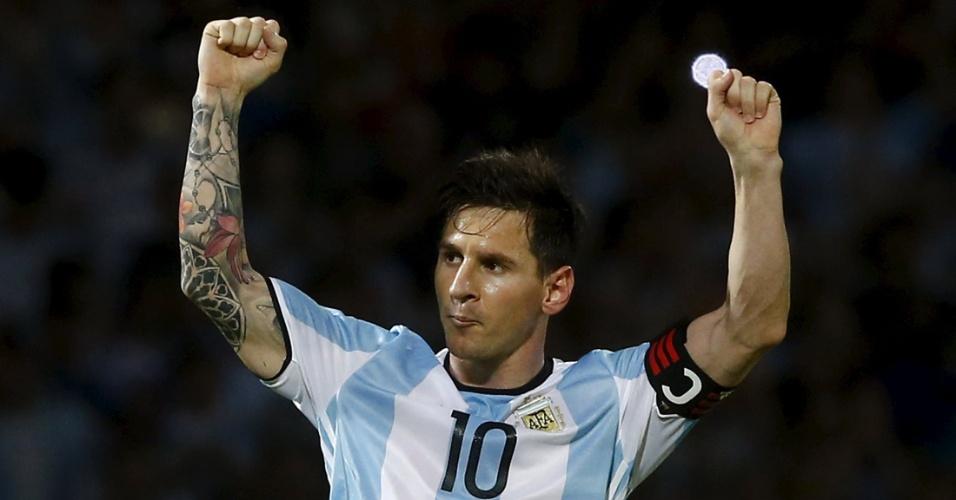 Messi comemora o segundo gol da Argentina contra a Bolívia, nas Eliminatórias