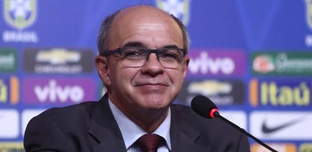 Eduardo Bandeira de Mello participa de coletiva na CBF. Ele será chefe de delegação